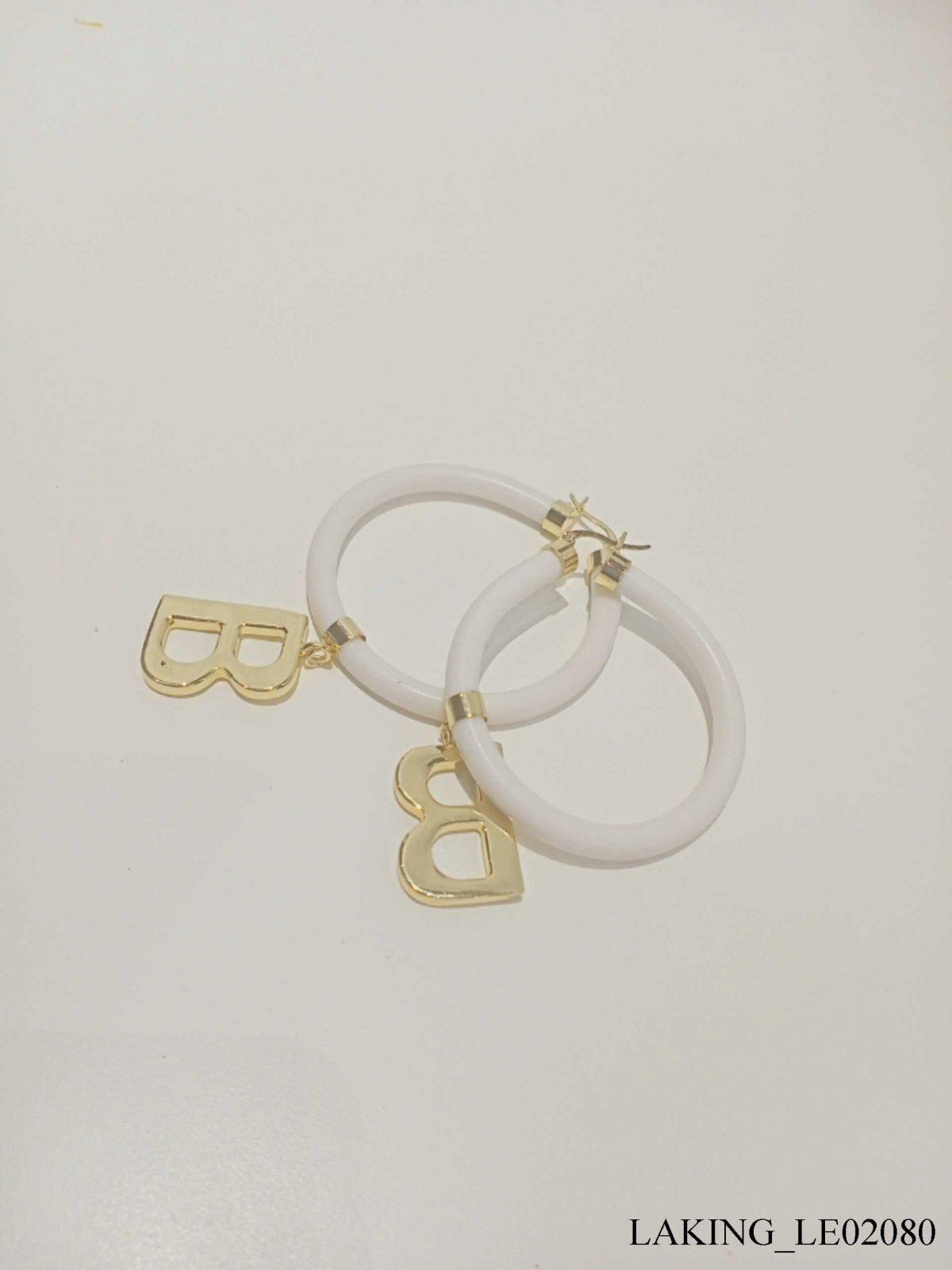Bông tai tròn vàng vòng trắng chữ B