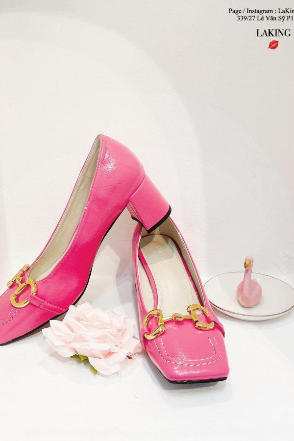giày hồng cao gót mũ vuông đế thấp