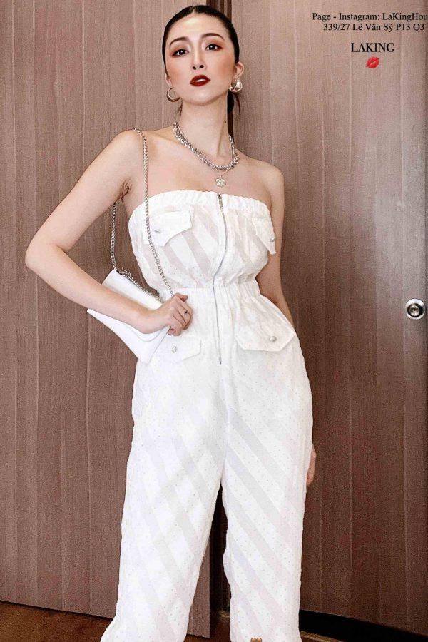 Trang phục Halloween màu trắng